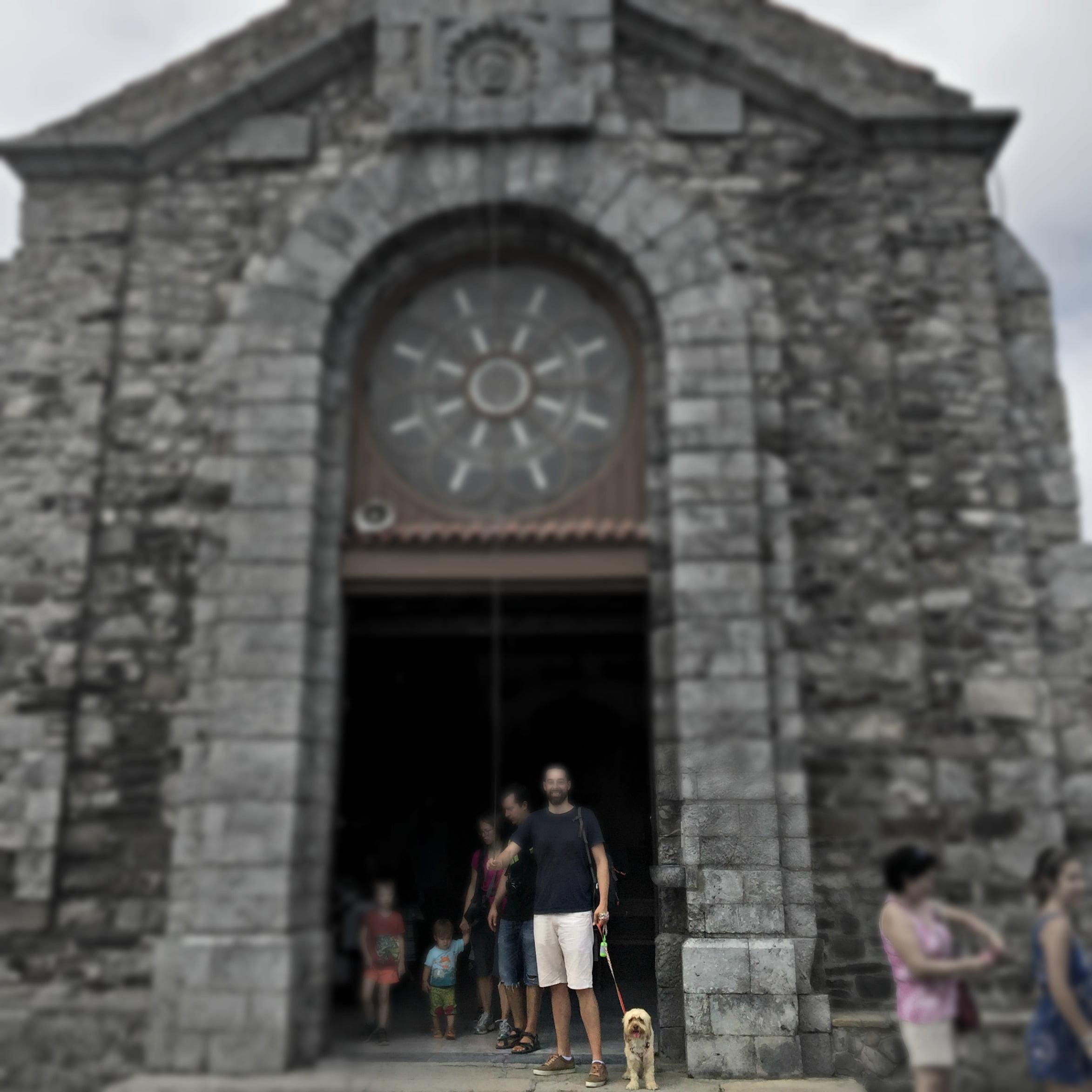 excursión con perro a la ermita de San Juan de Gaztegalutxe